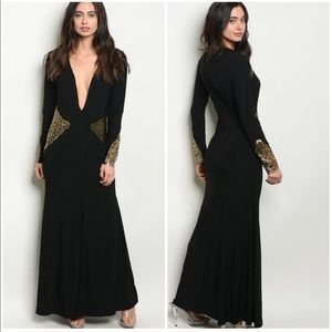 Ocassion-Ready Maxi Deep Plunging V-neck XS